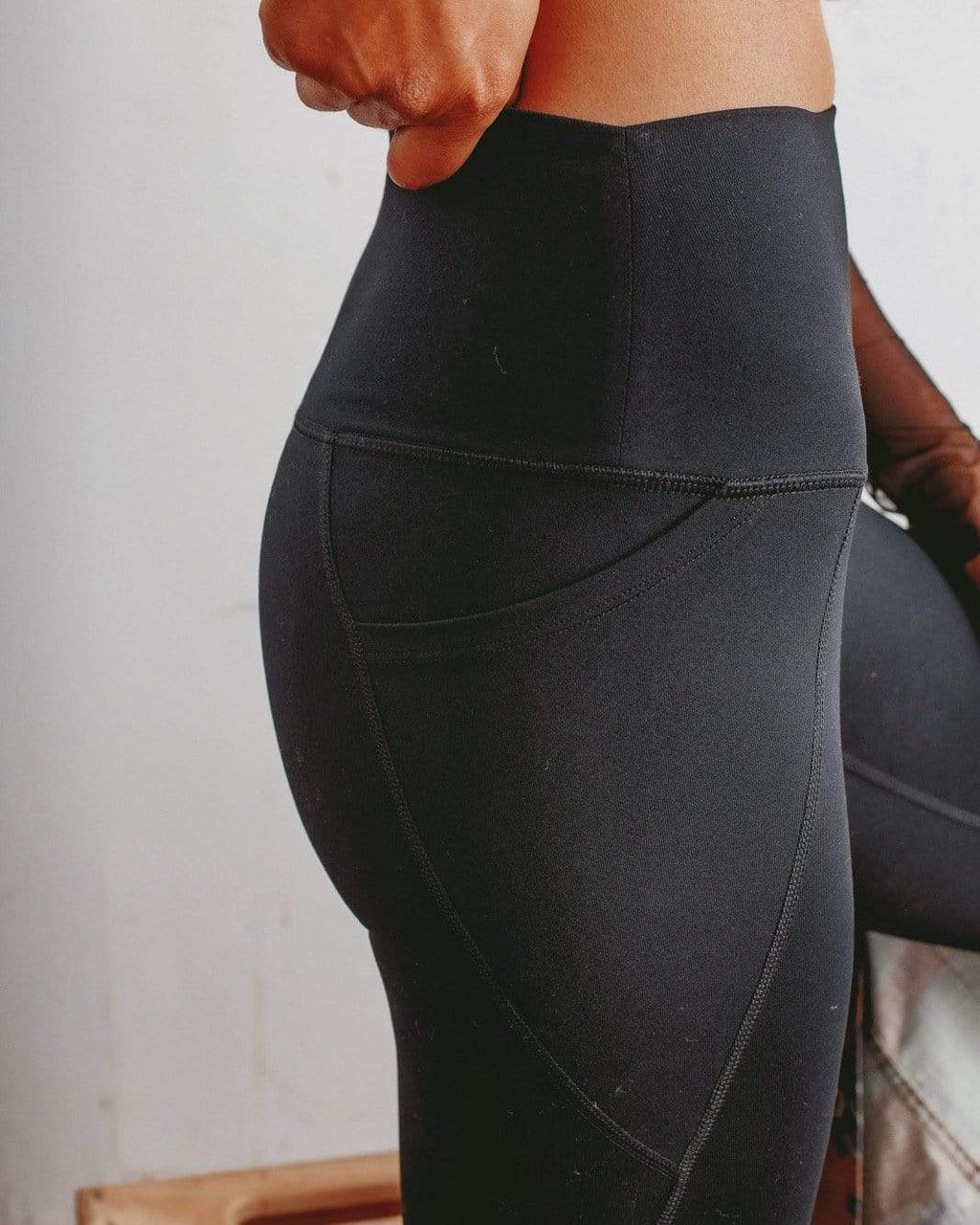 Performance Mid-Rise Legging
