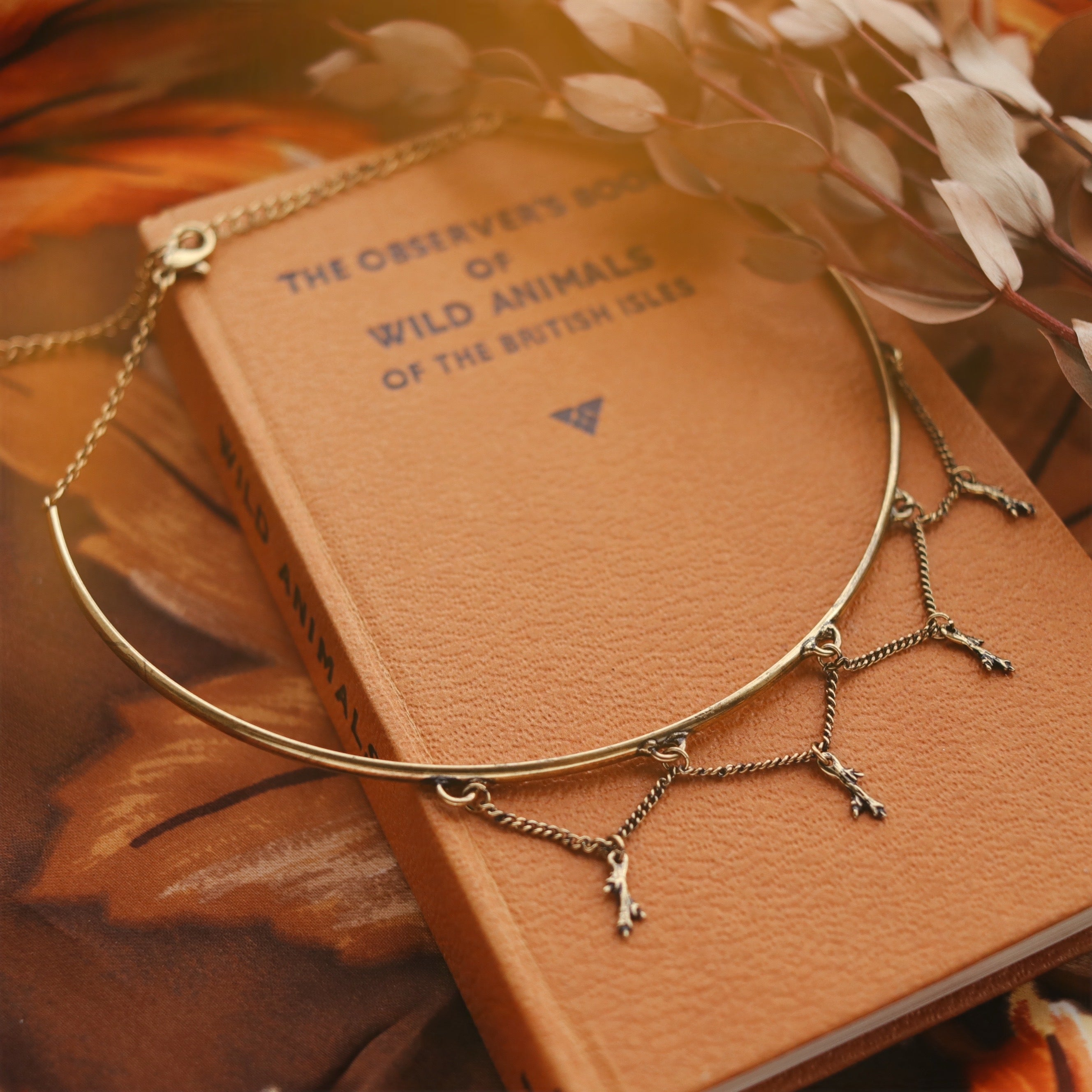 Winter's Forest Thorny Branch Choker
