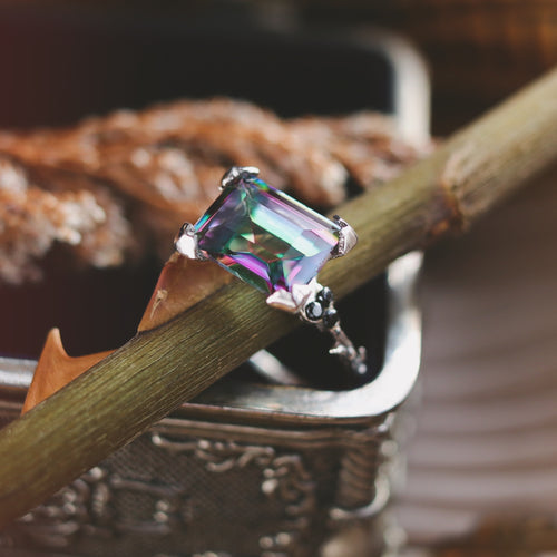 Hysminai Mystic Queen Thorn Ring