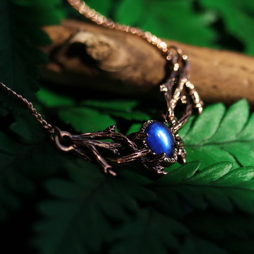Skadi's Army Sapphire & Rose Gold Mini Thorn Branch Necklace