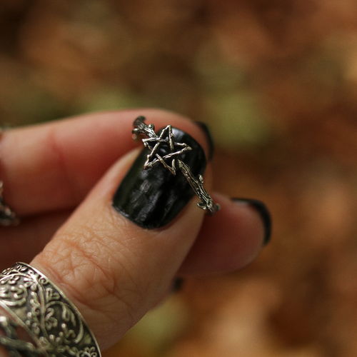 LAST CHANCE Willow Magick Pentagram Thorn Ring | Harmony Nice X Dixi