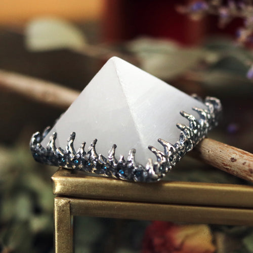 Freyr Selenite Icicle Crystal Pyramid Necklace #29