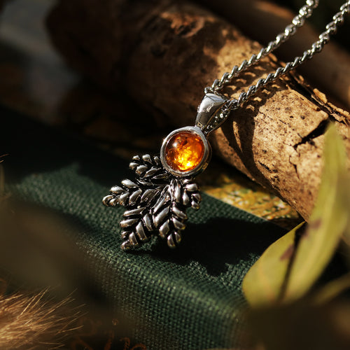 Sylvestris Deus Amber Single Leaf Boho Necklace *Colour Select