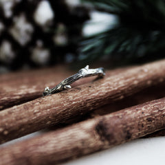 Hysminai Single Wrap Thorn Ring