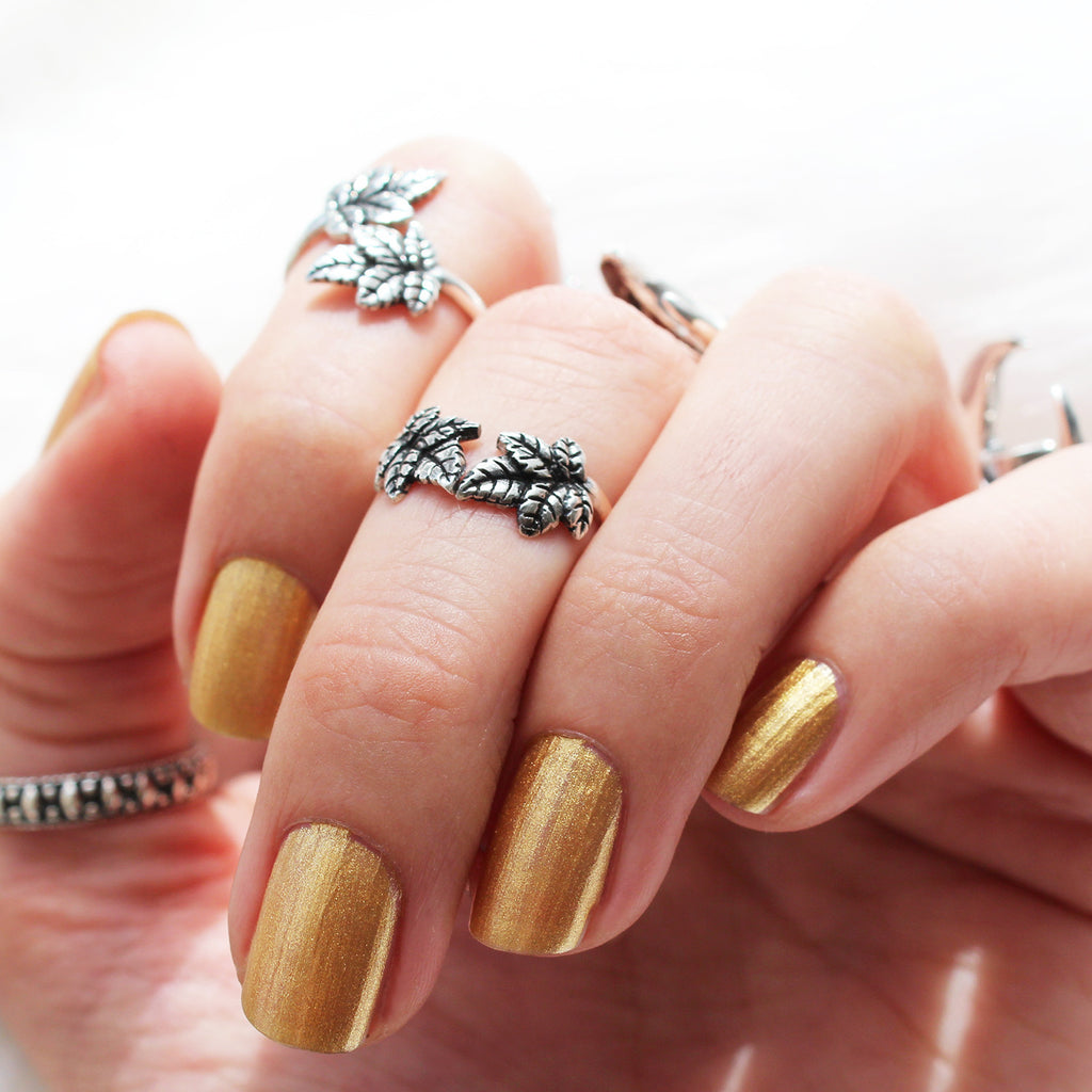 Sylvestris Deus Wishbone Ring