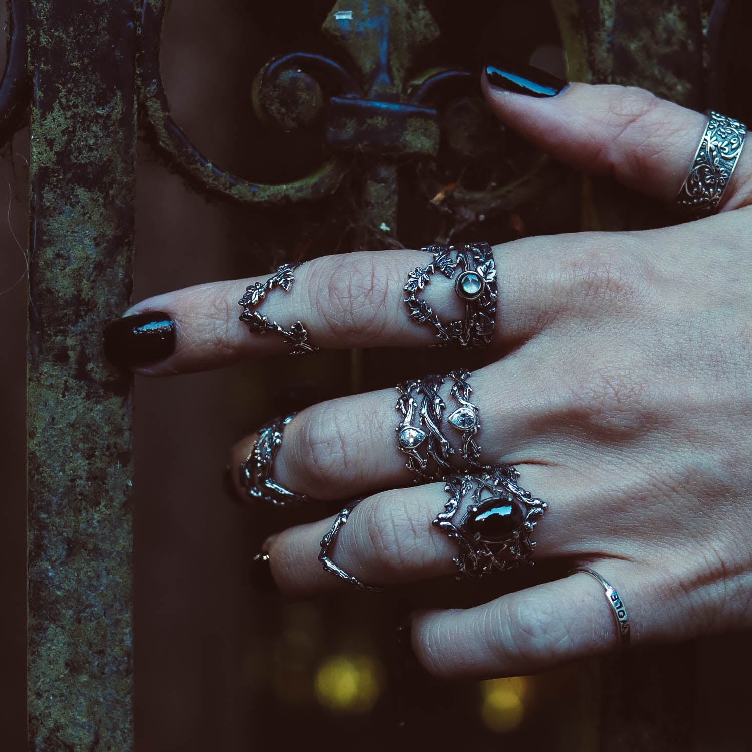 Sylvestris Deus Ivy Leaf Deep Wishbone Gothic Ring