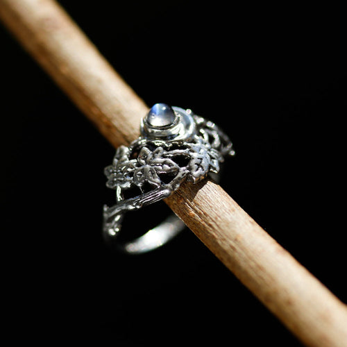 LAST CHANCE Evenstar Moonstone Ring | Harmony Nice X Dixi