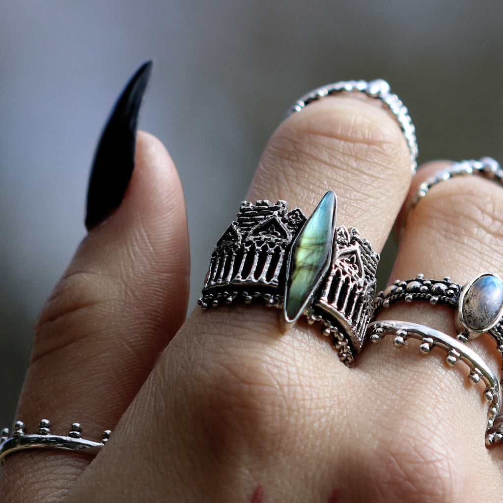 Luxe Skadi's Demise Labradorite Thorn Ring 07 [Size Small 15.75mm]