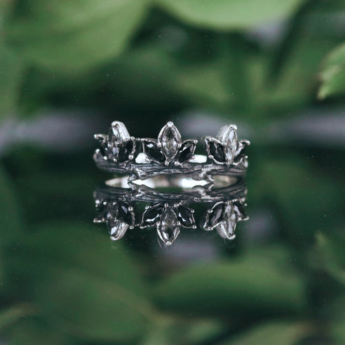 Até Black & Clear Branch Ring
