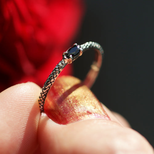 Kadru Serpent Black Gothic Ring