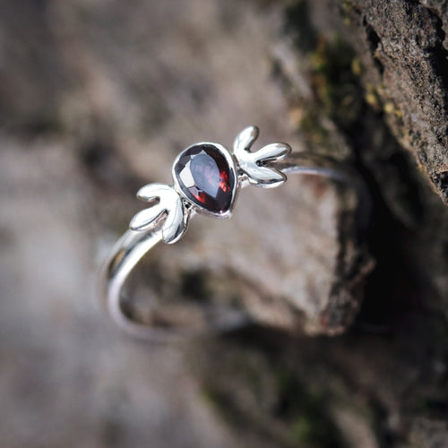 Valleity Garnet Cubic Zirconia Boho Chic Ring
