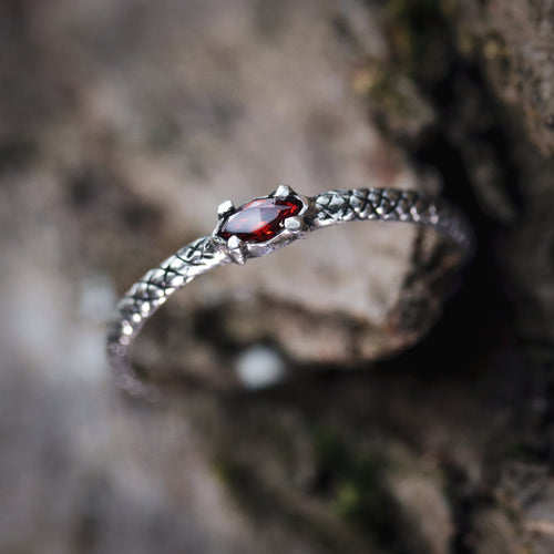 Kadru Serpent Red Gothic Ring