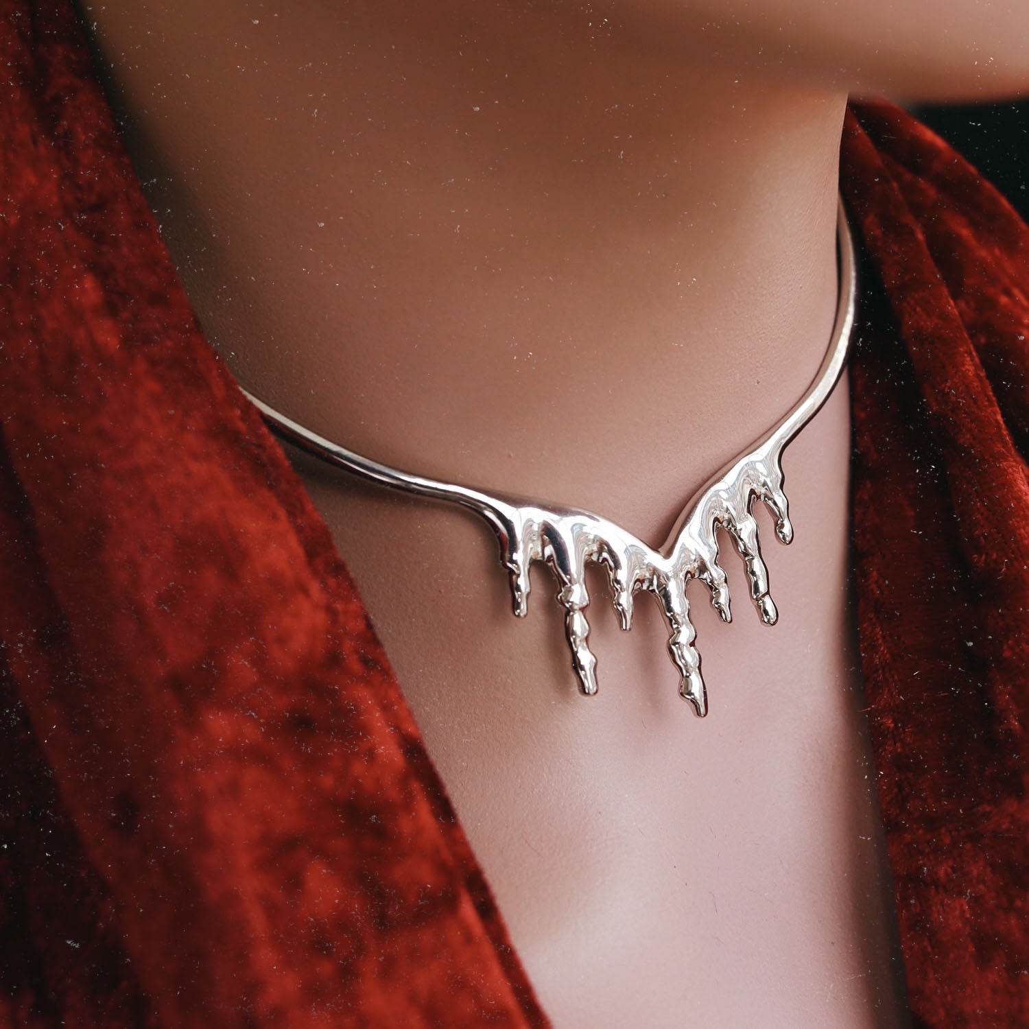 Glacier's Secret Icicle Drop Choker Silver