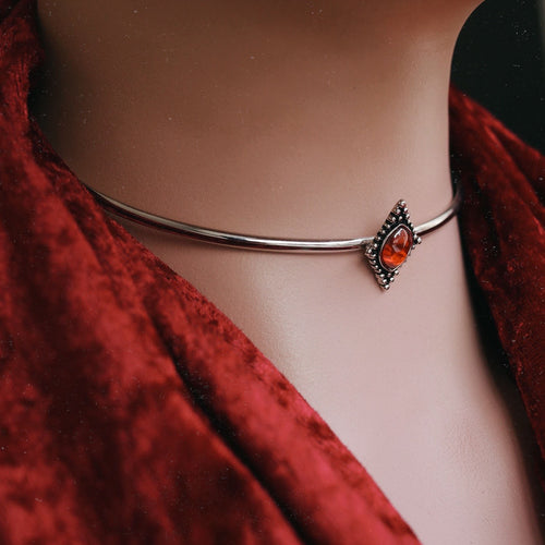 Dymphna Regal Stone Choker *Stone Select