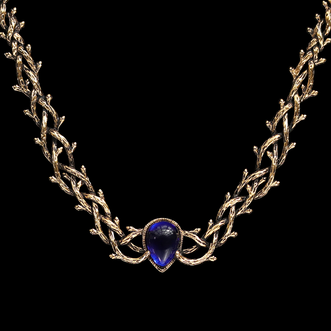 Skadi's Shadow Gothic Thorn Gold Necklace Blue