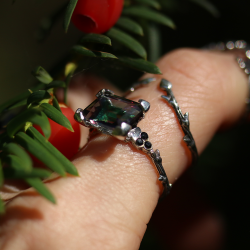 Hysminai Mystic Queen Gothic Thorn Ring