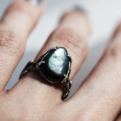 Skadi's Protector Black Pearl Gothic Thorn Ring