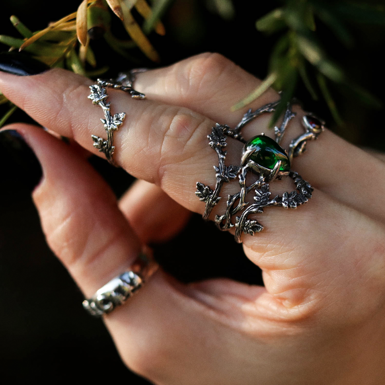 Running With The Wolves Green Branch Thorn Ring
