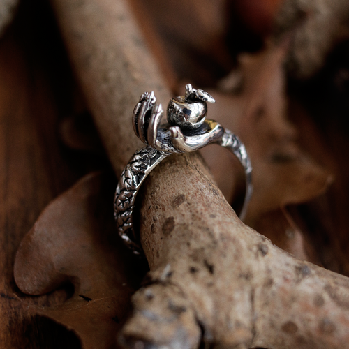 Queen Of The Harvest Hand Ring | Talent Scout Winner
