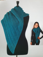 Load image into Gallery viewer, Patterns for Chainette alpaca chunky knitting yarn