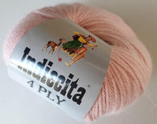 Load image into Gallery viewer, Alpaca 4ply soft pink