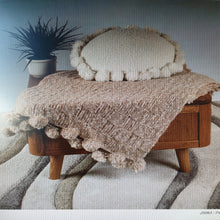 Load image into Gallery viewer, Patterns for Laja alpaca chunky knitting yarn
