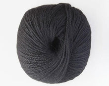 Load image into Gallery viewer, alpaca 8ply DK black