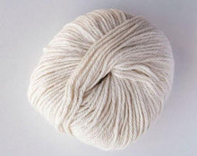 Load image into Gallery viewer, alpaca 8ply DK Cream