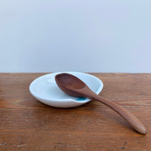 Load image into Gallery viewer, Porcelain spoon rest