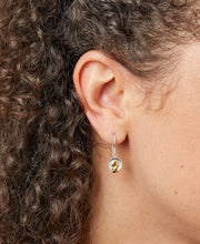 Load image into Gallery viewer, Silver flower and Gold bee dropper earrings