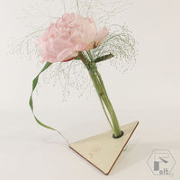 Structura 1 floare in echilibru TRIUNGHI  altF.ro alternative floristry elena toader