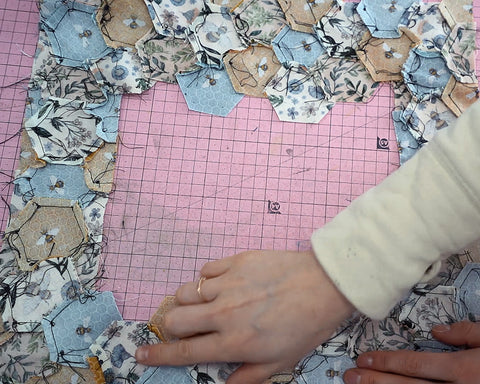 hexie quilt pressing your seams all in one direction