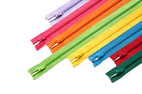 Polyester zippers /  nylon coil zippers