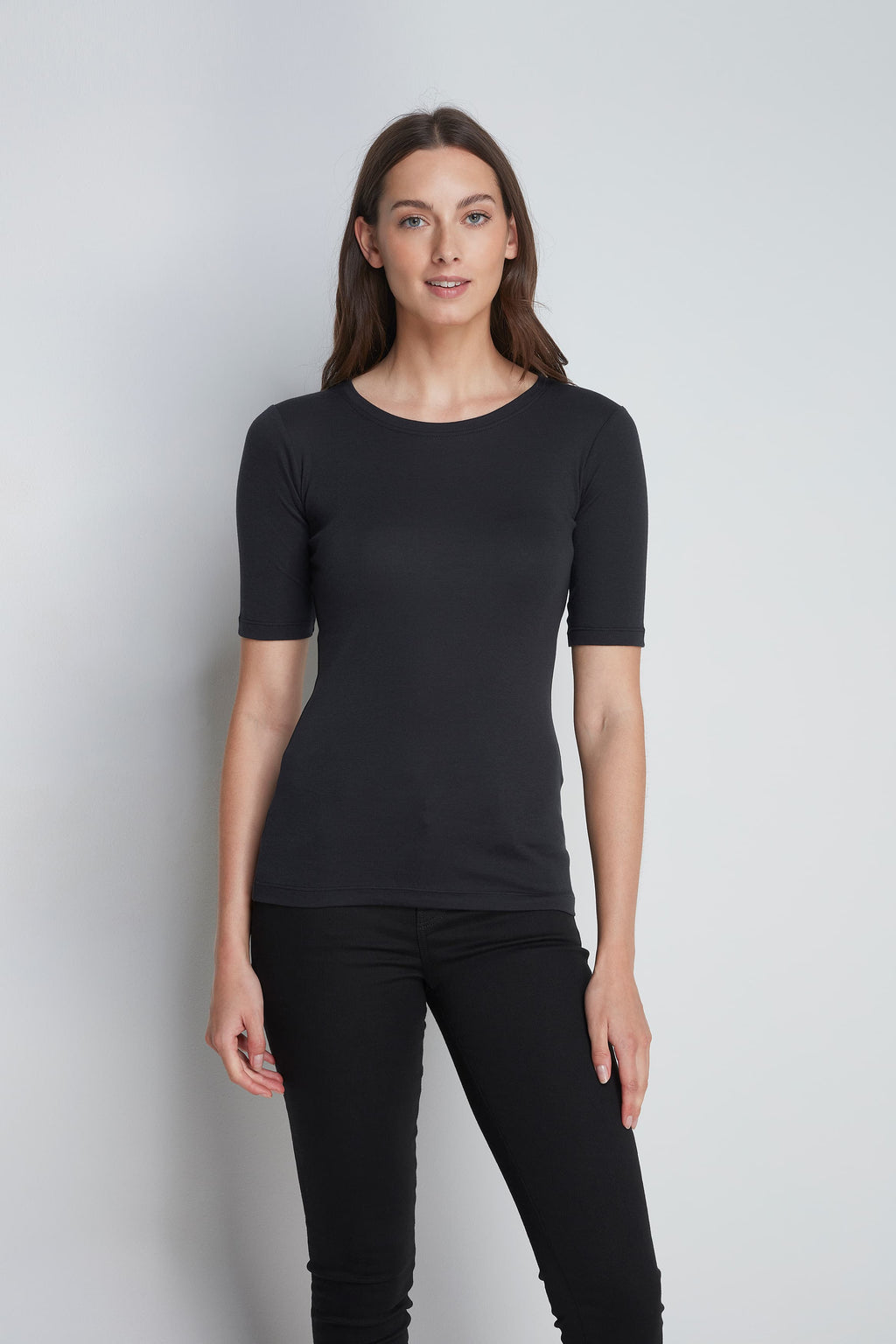High Quality Half Sleeve Crew Neck T-Shirt - Comfortable Crew Neck - Luxury Half Sleeve T-Shirt - Black Half Sleeve Crew Neck T-Shirt