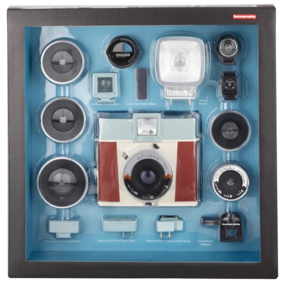 Lomography Diana Instant Square Deluxe Kit Adriano Edition