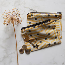 Load image into Gallery viewer, Retro Yellow Zip Purse