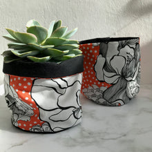 Load image into Gallery viewer, Vintage Flower Pot Pouch