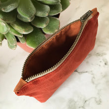 Load image into Gallery viewer, Rust Corduroy Zip Purse