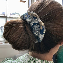 Load image into Gallery viewer, Geometric Hair Scrunchie