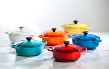 Load image into Gallery viewer, 7.5 QT ROUND DUTCH OVEN