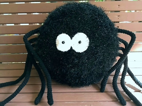 Spider Pillow Pattern by Sharpin Designs
