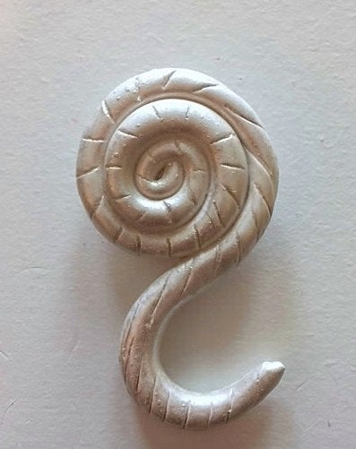 Portuguese Knitting Pin- Magnetic - Made for Portuguese Knitting - Swirl