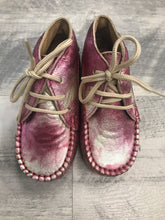 Load image into Gallery viewer, Luccini 15010 rose camo shoe