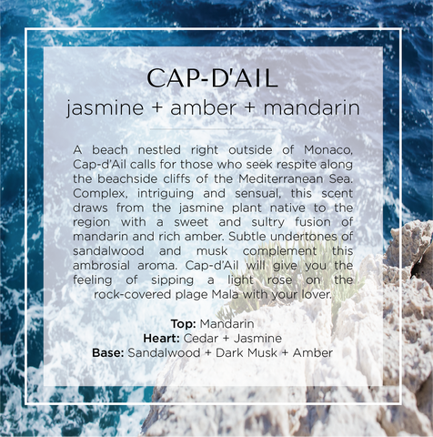 Cap-d'Ail scented candle inspired by notes of jasmine, amber and mandarin. A description of this scented candle with a background of the sea