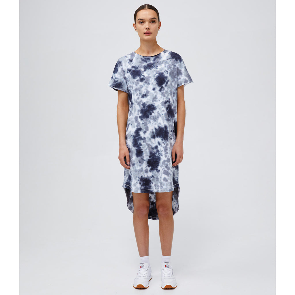 Our signature Kendall Dress, inspired by the best-selling t-shirt shape, is made from 100% GOTS Certified Organic Cotton and features a raw neckline, curved hi-low hemming and hand-crafted tie dye.  STYLE DETAILS: • Raw hem neckline • Short sleeves, raw hem cuffs • Hi-lo hem • Fabric: 100% GOTS Certified Organic Cotton Slub (Global Organic Textile Standard)  SIZE & FIT: Relaxed fit. Length Front 92cm / Back 109cm