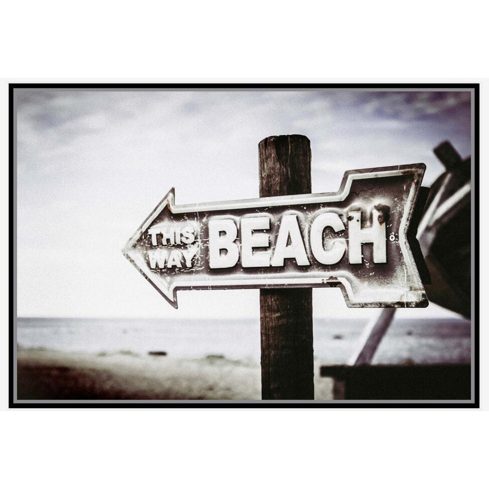 To The Beach framed Canvas. Statement Canvas!  • Size: 80x120 cm • Canvas print • Black frame