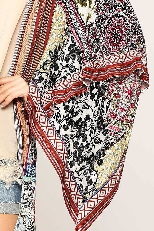 Stunning And Classy Vintage Printed Kimono Feminine Piece With Ruffled Detail