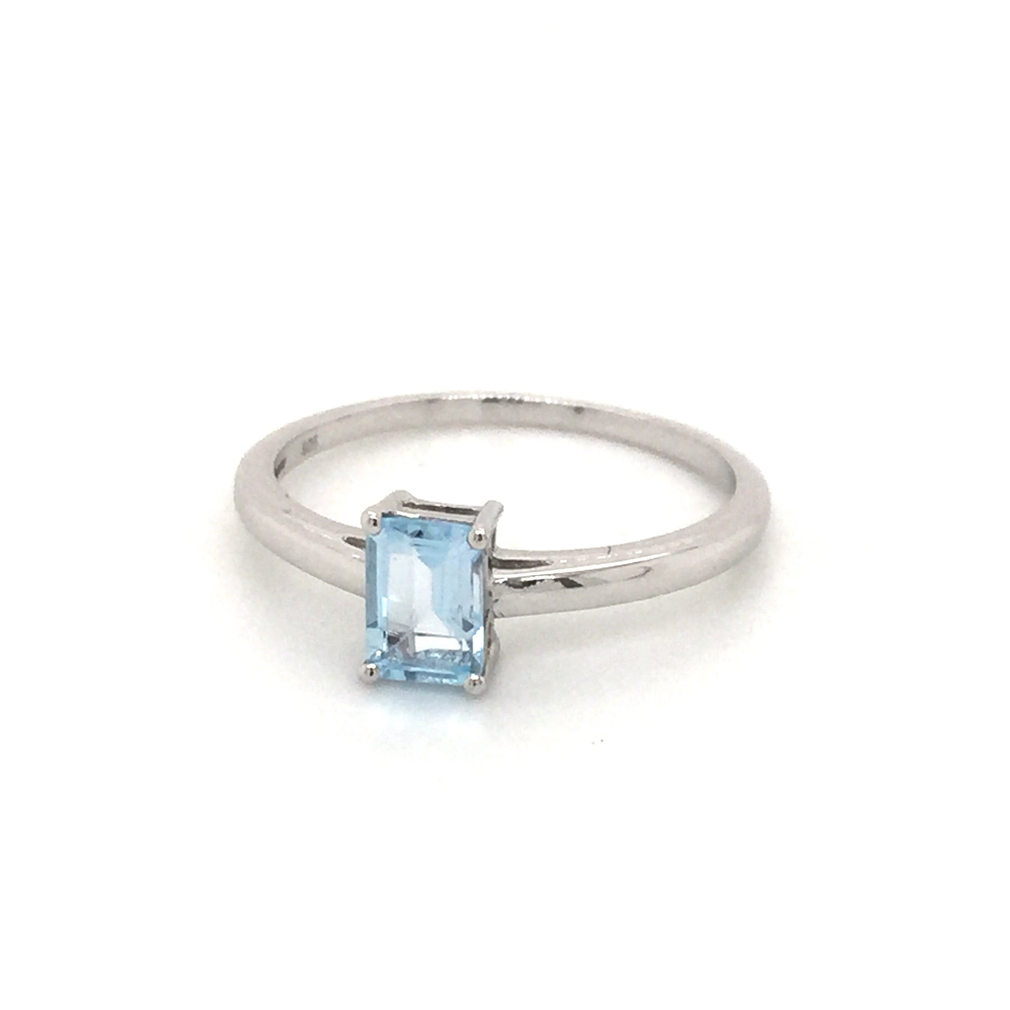 Sterling silver blue topaz ring. - Red Carpet Jewellers