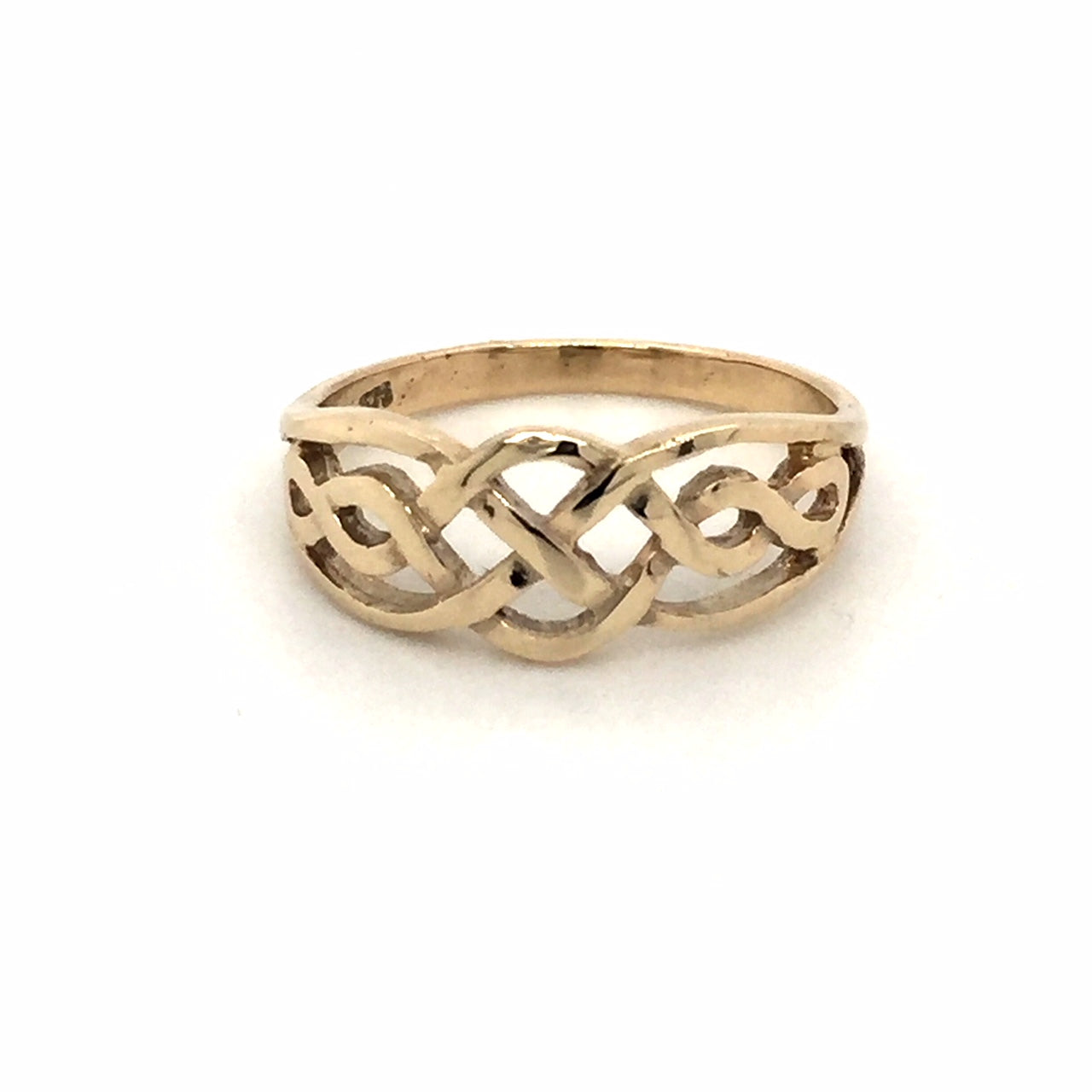 9ct Celtic patterned ring. - Red Carpet Jewellers