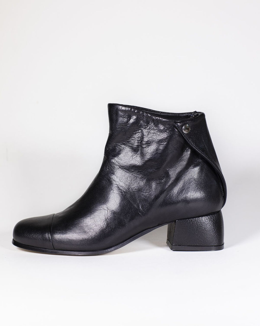 Beau Coops Beau 6 Black Leather